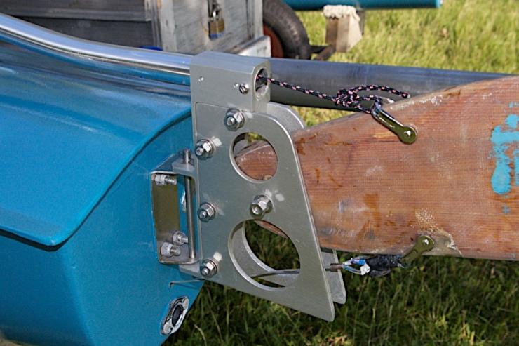 Custom built rudder head by Mike Sonnie